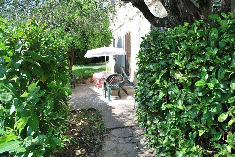 Location vacances Contes -  Gite - 6 personnes - Jardin - Photo N° 1