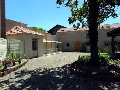 Location vacances Barcelonne-du-Gers -  Gite - 20 personnes - Salon de jardin - Photo N° 1