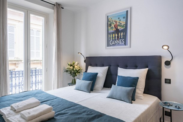 Wdf 2 bedrooms right in the heart of Cannes!!