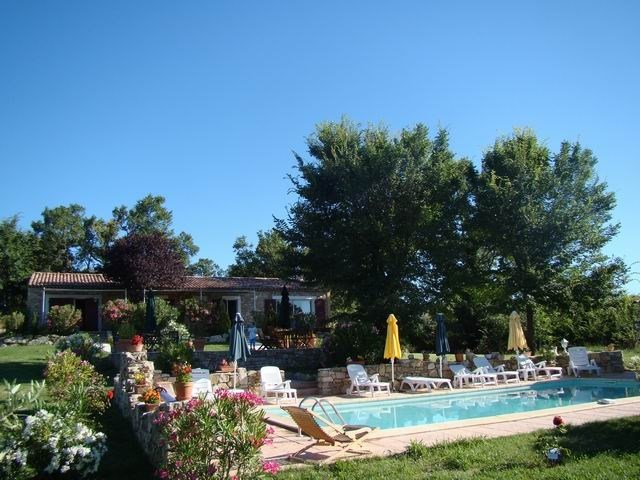 Location vacances Pierrerue -  Gite - 10 personnes - Barbecue - Photo N° 1