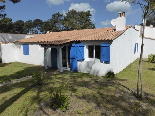 LOCATION VACANCES LA PALMYRE Villa 4 Pièces - Résidence Les Trémières -