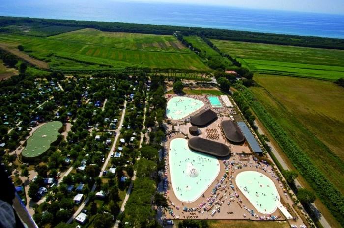 2 600 m2 de complexe aquatique, la plage toute proche, le meilleur de la Toscane !
