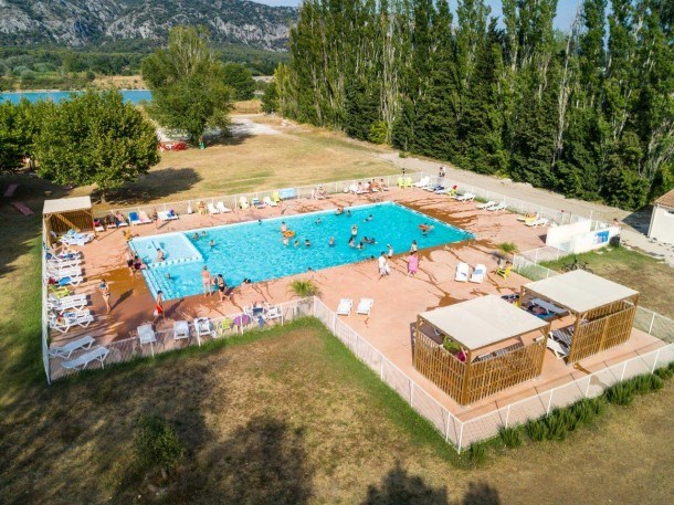 Camping Les Rives du Luberon - Mh bungalow 2ch 4/6 pers (4ad + 2enf)
