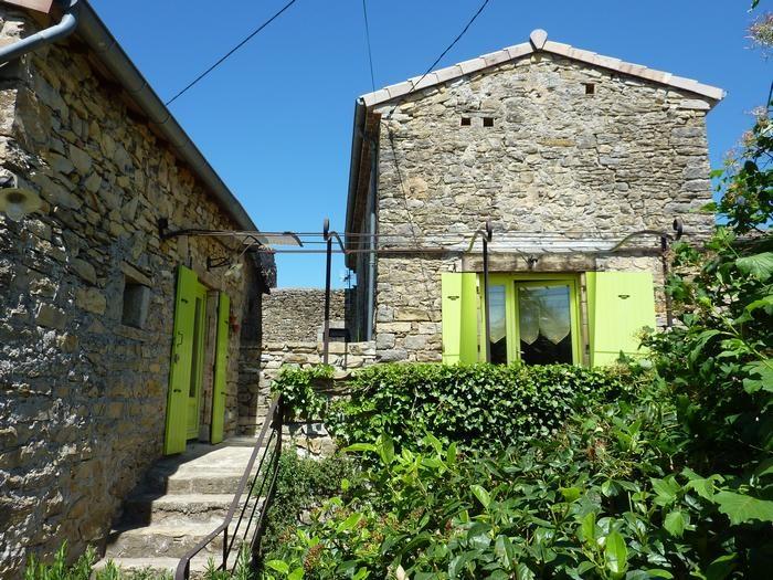 Location vacances Vesseaux -  Maison - 6 personnes - Barbecue - Photo N° 1