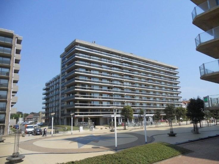 Appartement modern, ensoleillé (7p.) sur l'Esplanade.