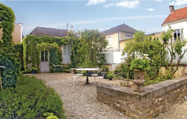 Location vacances Chablis -  Maison - 6 personnes - Barbecue - Photo N° 1