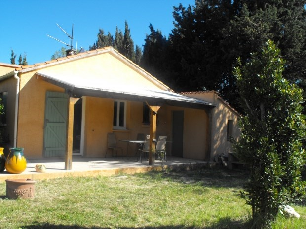 villa indépendante plain pied- tout confort - 3 chambres - grand jardin  à 25 km de la méditerranée - 10km de l'Espag...