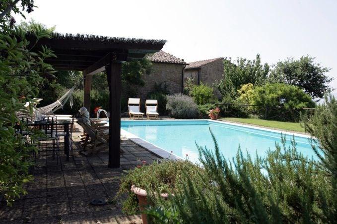 Fonte dell'Orcia est une maison de vacances entièrement rénovée (datant des années 1800) avec une vue panoramique à c...