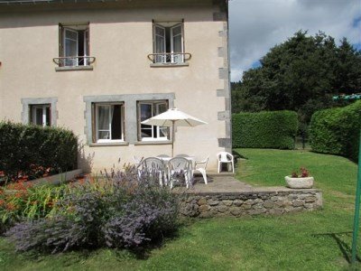 Holiday rentals Chambon-sur-Lac - Cottage - 6 persons - BBQ - Photo N° 1