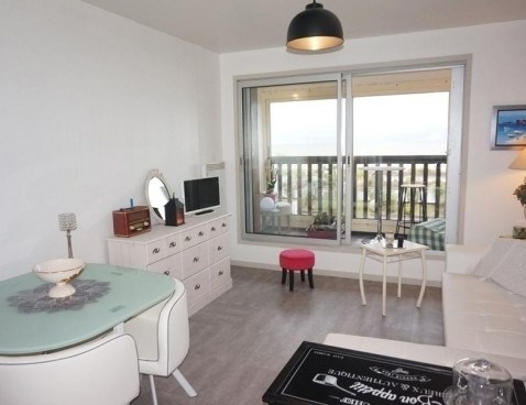 Location vacances Merville-Franceville-Plage -  Appartement - 4 personnes -  - Photo N° 1