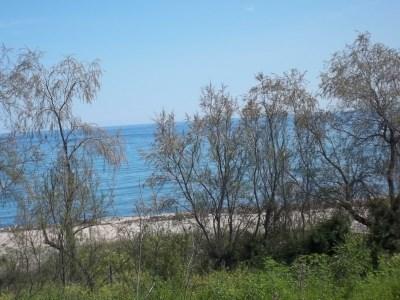 la plage à 2 km