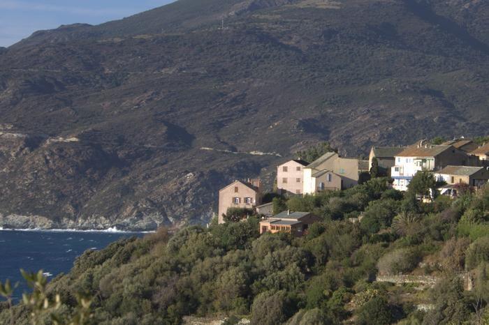 la maison dans le hameau de Marinca