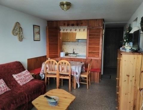 Location vacances Besse-et-Saint-Anastaise -  Appartement - 6 personnes - Télévision - Photo N° 1