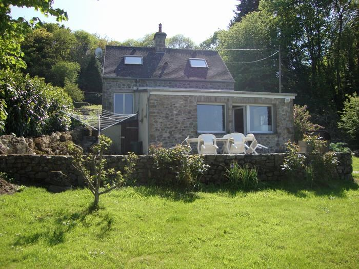 Maison individuelle en pierre  pour 4 personne(s)