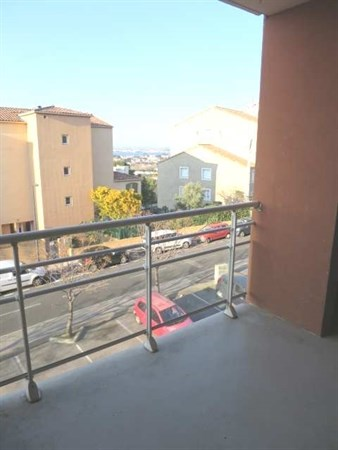 location appartement 4 pi ces s te appartement f4 t4 4 pi ces 80 75m 787 mois. Black Bedroom Furniture Sets. Home Design Ideas