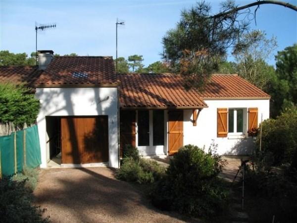 Maison individuelle mitoyenne d'un coté mais très indépendante et confortable -quartier calme