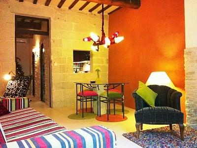appartement design au couleurs chaudes