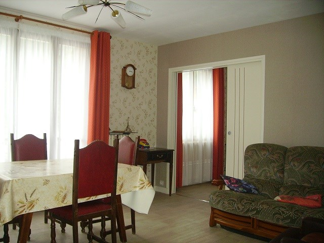 Location vacances Saint-Jean-de-Maurienne -  Appartement - 6 personnes - Cour - Photo N° 1