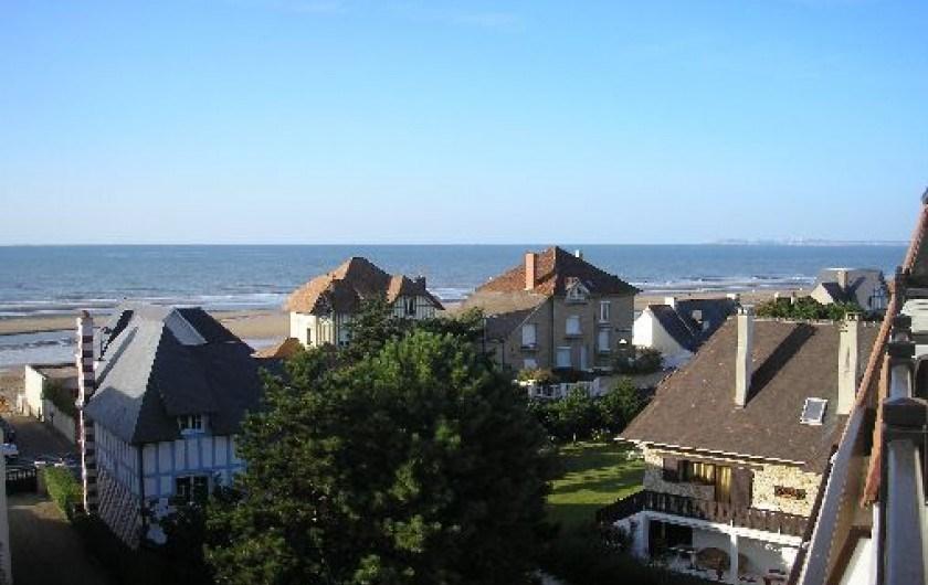 La vue depuis le balcon de la salle de séjour