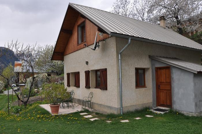 Location vacances Freissinières -  Maison - 4 personnes - Salon de jardin - Photo N° 1
