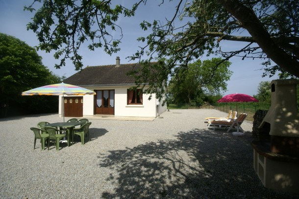 Location vacances Surville -  Maison - 4 personnes - Barbecue - Photo N° 1
