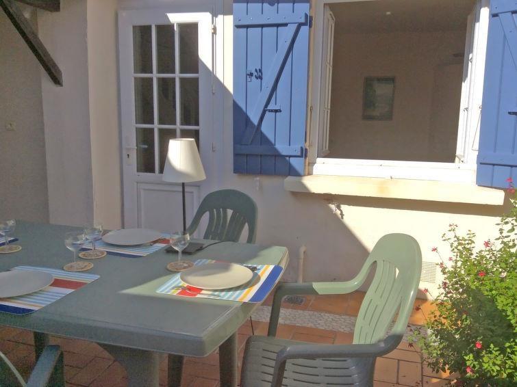 Location vacances Royan -  Maison - 5 personnes - Salon de jardin - Photo N° 1