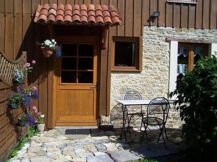 Location vacances Bazoges-en-Pareds -  Chambre d'hôtes - 3 personnes - Jardin - Photo N° 1