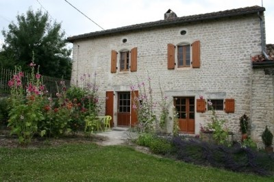 Cottage by the river (Charente) - Genac
