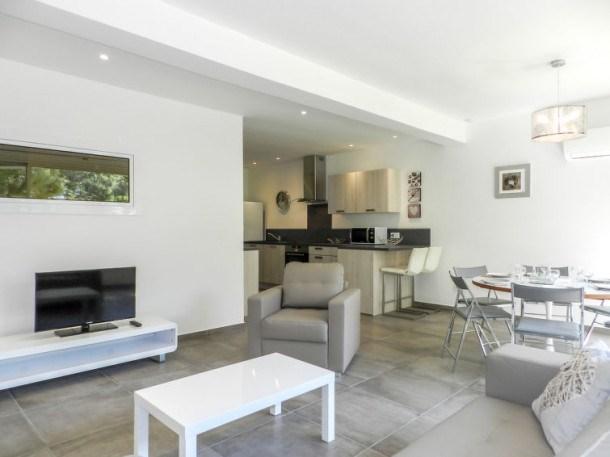 Location vacances Porto-Vecchio -  Appartement - 6 personnes - Télévision - Photo N° 1