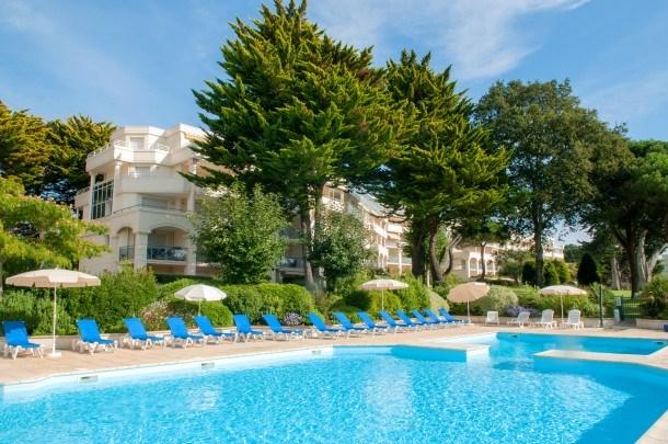 Location vacances La Baule-Escoublac -  Appartement - 7 personnes - Salon de jardin - Photo N° 1