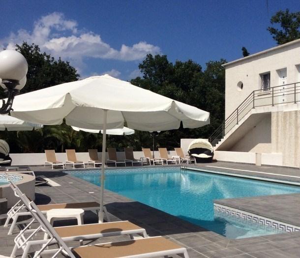 Location vacances Santa-Lucia-di-Moriani -  Appartement - 5 personnes - Salon de jardin - Photo N° 1