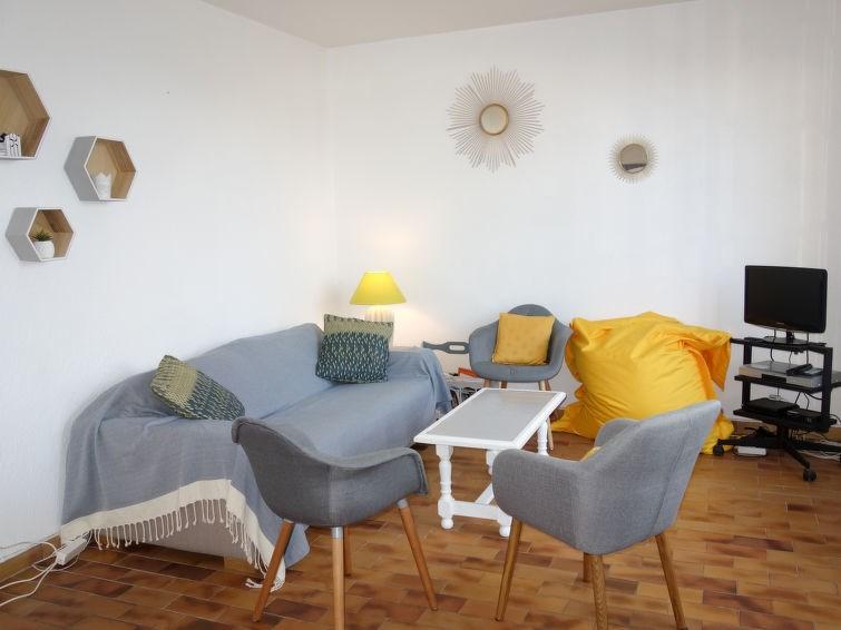 Location vacances Saint-Cyr-sur-Mer -  Appartement - 6 personnes - Salon de jardin - Photo N° 1