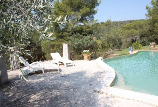 La Portanière is a delightful holiday home in a most tranquil setting in Pierrefeu-du-Var (La Porte des Maures),...