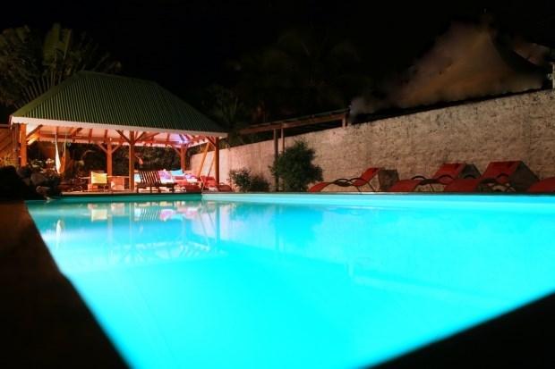 VILLA-BAGATELLE** avec piscine et SPA à 850m plage - Sainte Rose