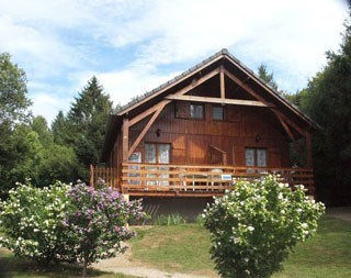 Dans un chalet, situé au cœur du Parc Régional du Morvan, a proximité immédiate du Lac des Settons