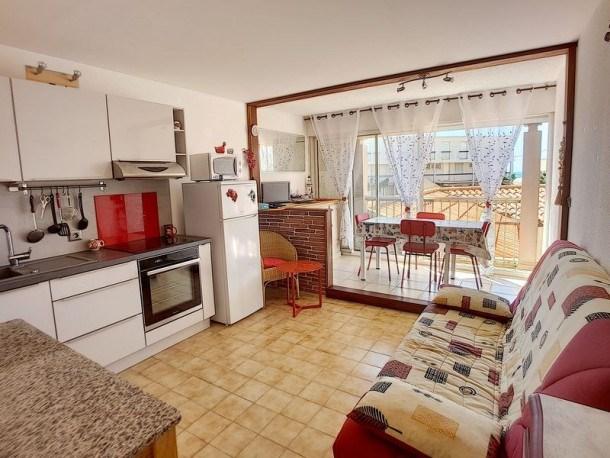 Location vacances Fleury -  Appartement - 4 personnes - Lave-linge - Photo N° 1
