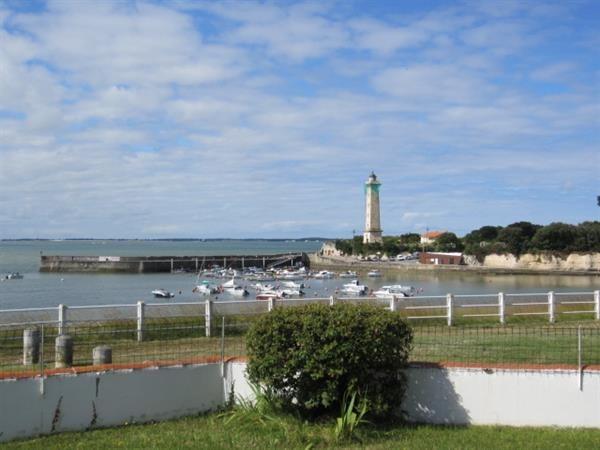 Location vacances Saint-Georges-de-Didonne -  Maison - 8 personnes - Terrasse - Photo N° 1