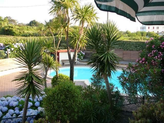 Location vacances Biarritz -  Appartement - 4 personnes - Jardin - Photo N° 1