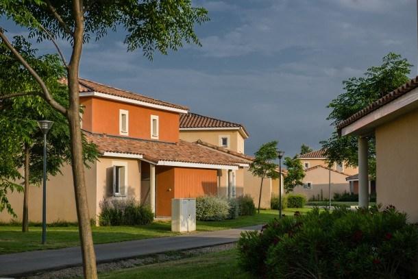 Location vacances Fabrègues -  Maison - 8 personnes - Salon de jardin - Photo N° 1