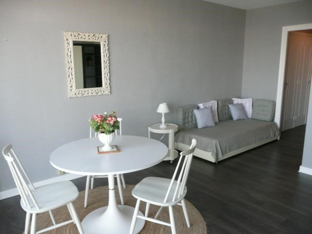 Location vacances Quiberon -  Appartement - 3 personnes - Salon de jardin - Photo N° 1