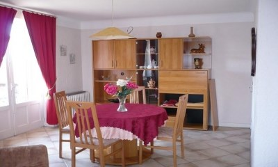 Location vacances Saint-Sauves-d'Auvergne -  Appartement - 6 personnes - Barbecue - Photo N° 1