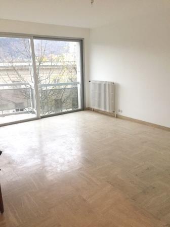 location appartement 3 pi ces annecy appartement f3 t3 3 pi ces 65 42m 1050 mois. Black Bedroom Furniture Sets. Home Design Ideas