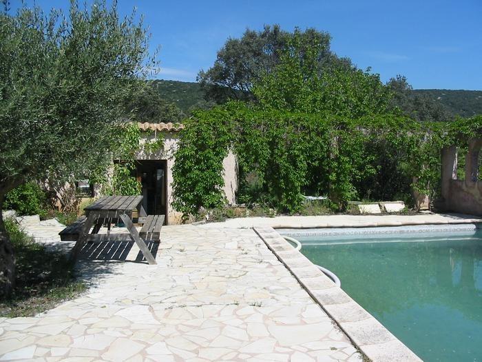 Maison pour 4 pers. avec piscine privée, Puéchabon
