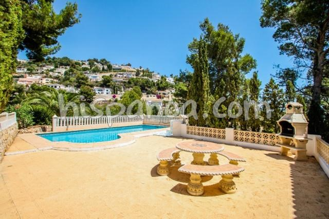 Location d'une villa à Moraira avec piscine et vue mer |rafra