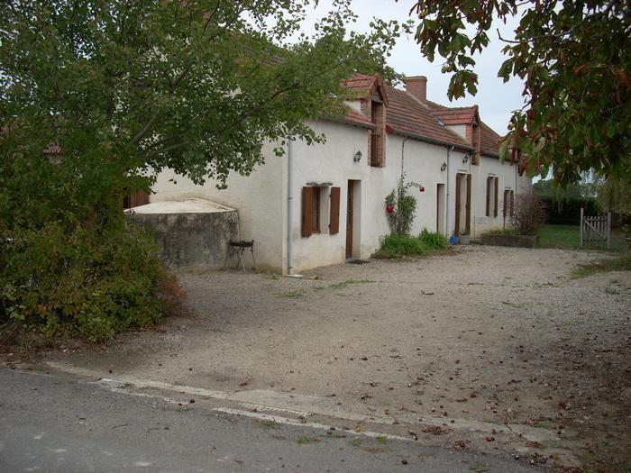 Location vacances Saint-Désiré -  Maison - 7 personnes - Jardin - Photo N° 1