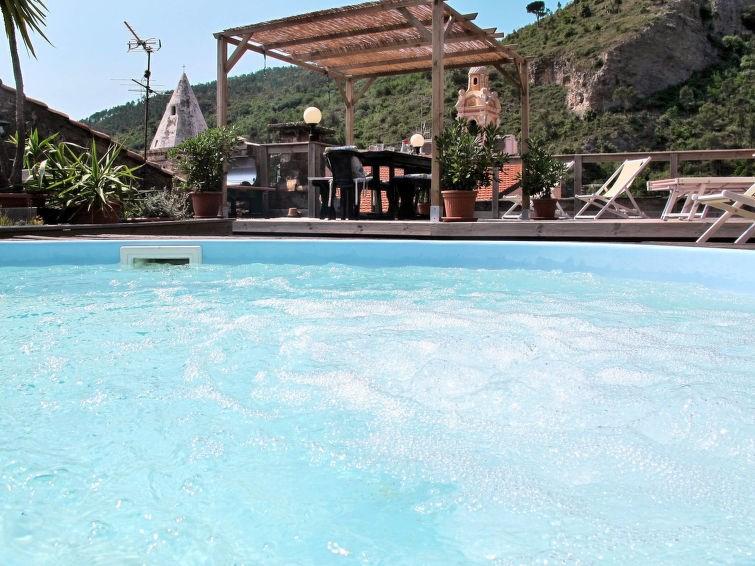 Appartement pour 3 personnes à Cisano sul Neva