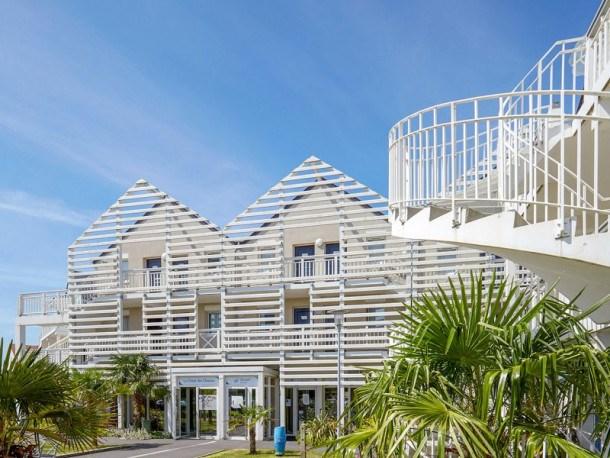 Location vacances Courseulles-sur-mer -  Appartement - 5 personnes - Télévision - Photo N° 1