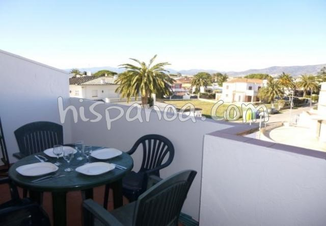Location vacances Castelló d'Empúries -  Appartement - 4 personnes - Salon de jardin - Photo N° 1