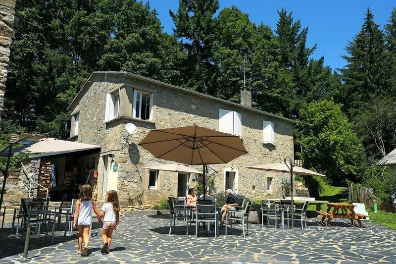 Campéole La Raviège, 48 emplacements, 20 locatifs