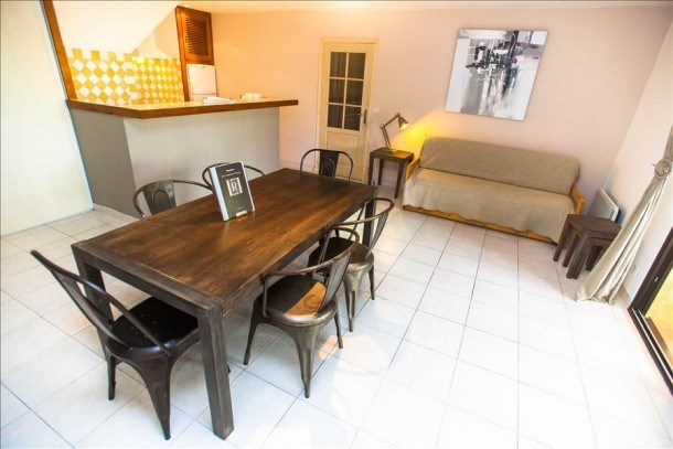 """Appartement""""figuier"""" spacieux  avec jardin privatif, barbecue, piscine à 5 min des plages"""